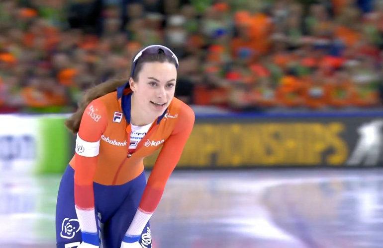 Femke Kok wint zilver op 500 meter bij WK afstanden