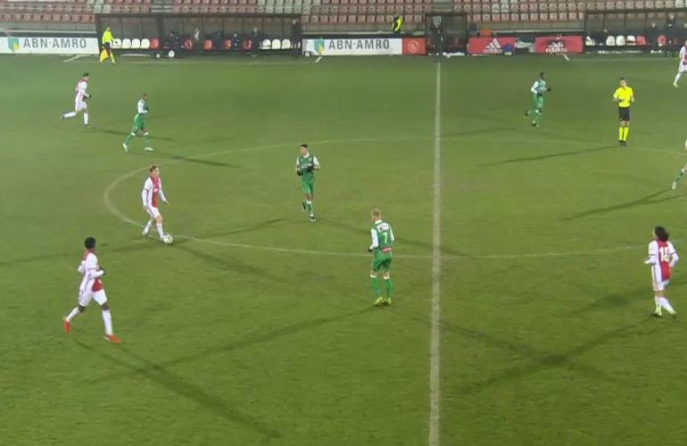 Hekkensluiter Dordrecht knokt zich langs Jong Ajax