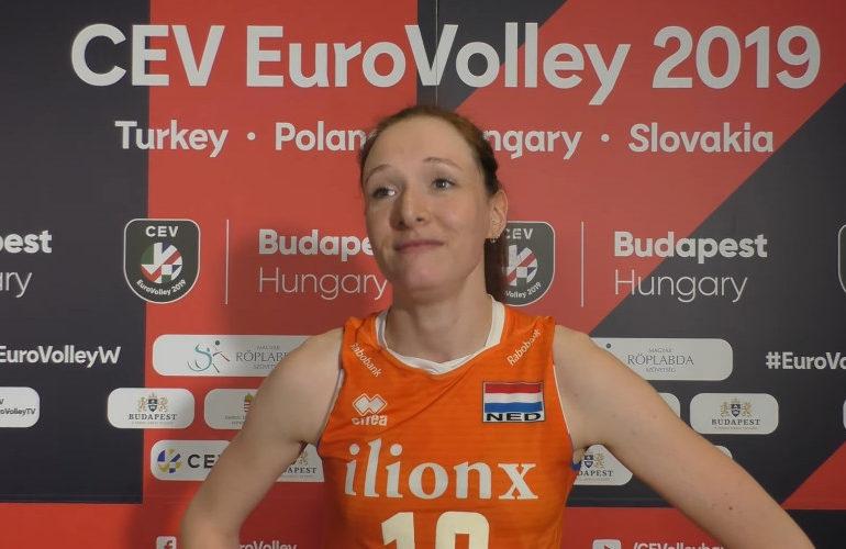 Lonneke Slöetjes beëindigd volleybal carrière