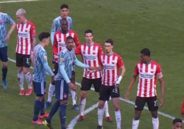 Geen winnaar bij topper PSV - Ajax