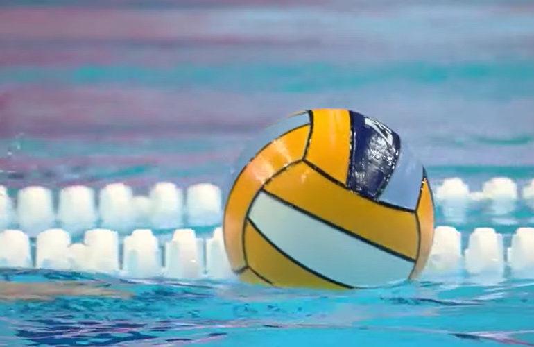 Waterpolodames winnen van Spanje