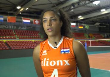 Volleybalster Celeste Plak pakt de draad weer op