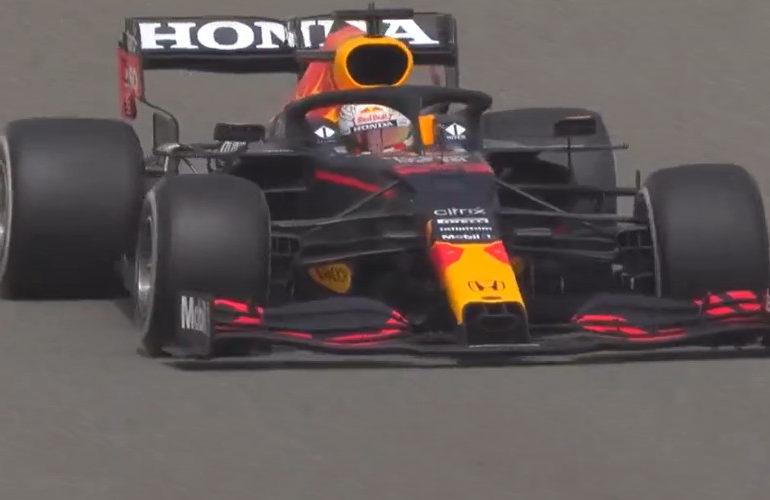 """Verstappen: """"Mercedes is nog steeds de favoriet"""""""
