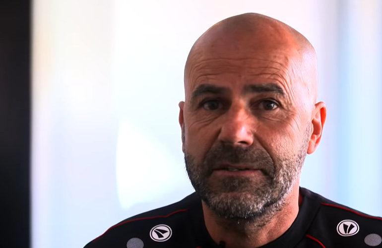 Bayer Leverkusen ontslaat trainer Peter Bosz