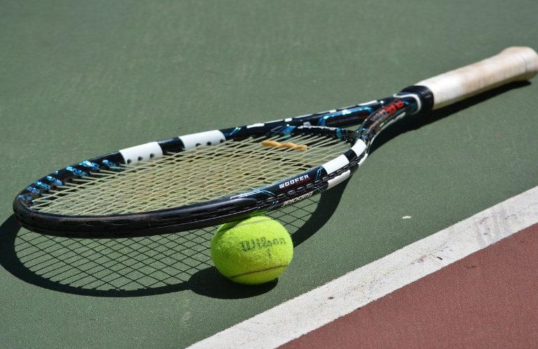 Tennisser Jesper de Jong naar finale in Almaty