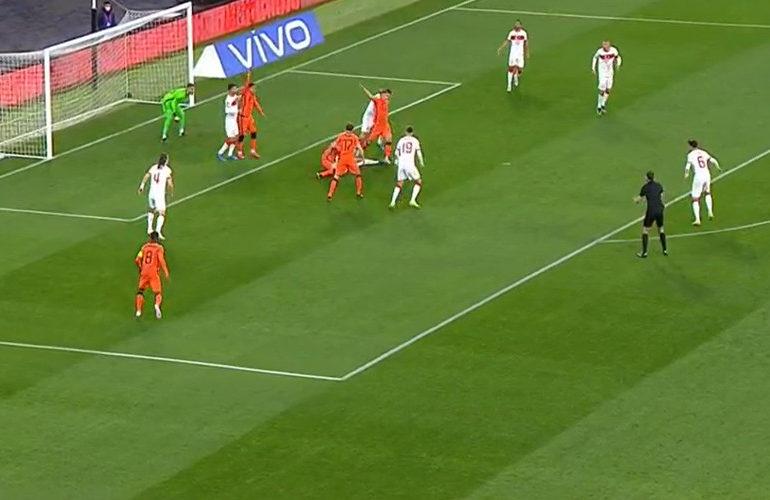 Dramatische start Oranje in WK-kwalificatie