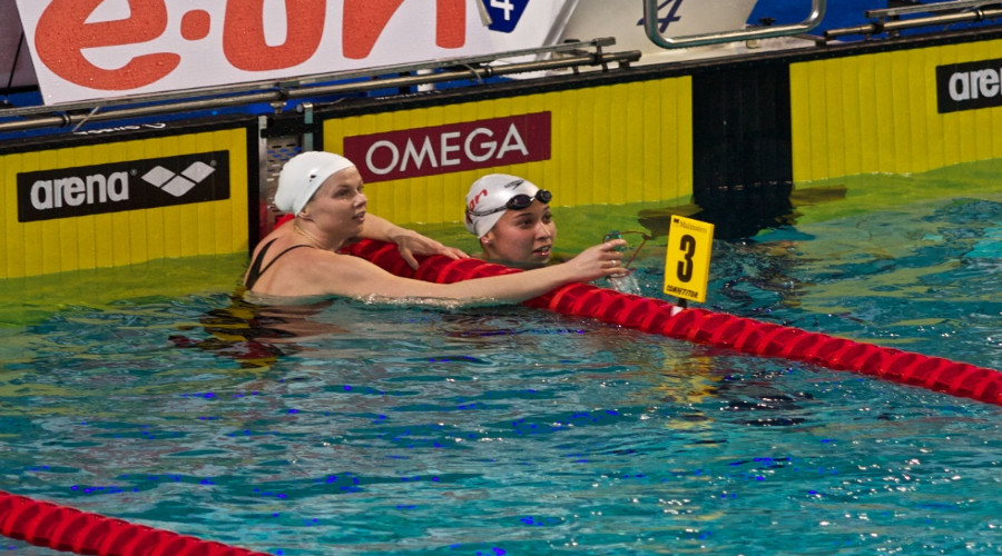 Zwemmen (Foto Wikimedia Commons)