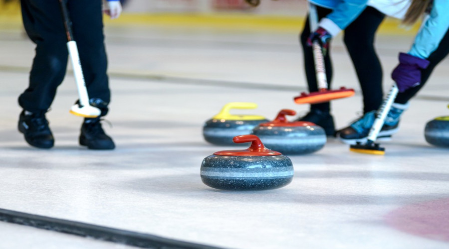 Curling (Foto PxHere)