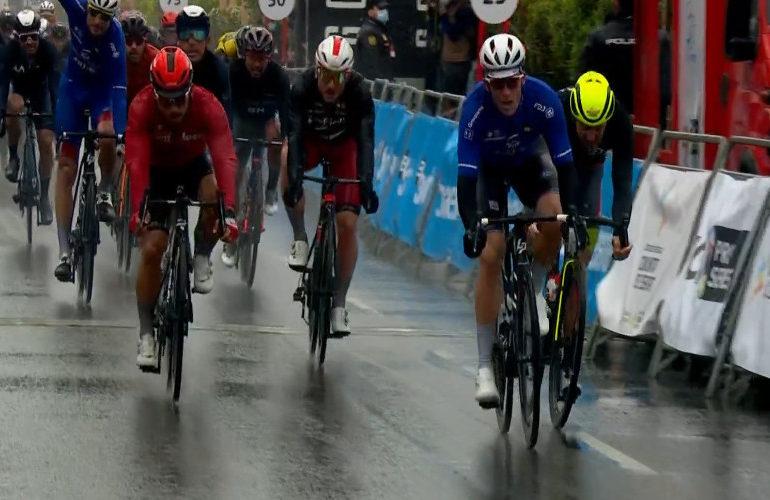 Démare sprint naar etappezege in Ronde van Valencia