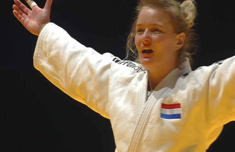 Judoka Sanne van Dijke pakt goud op EK in Lissabon