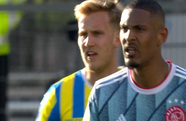 Matig Ajax wint met 1-0 bij RKC Waalwijk