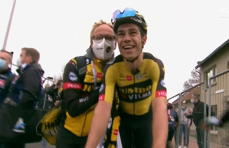 Van Aert wint tijdrit in twintigste etappe van de Tour