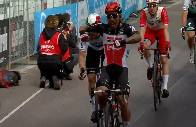 Ewan sprint naar etappe overwinning in Giro