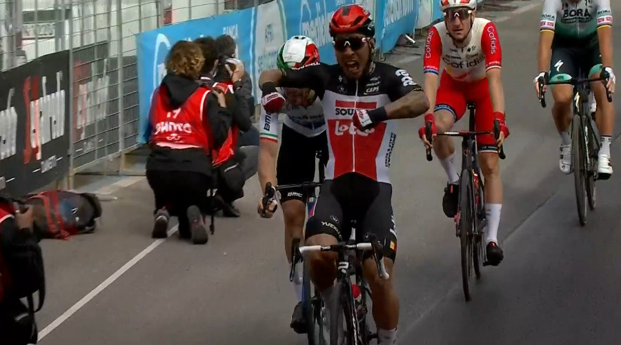 Caleb Ewan winnaar vijfde etappe