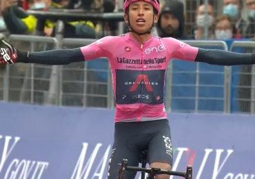 Egan Bernal doet goede zaken in Giro d'Italia