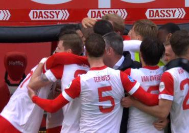 Gustafson schiet FC Utrecht naar finale play-offs