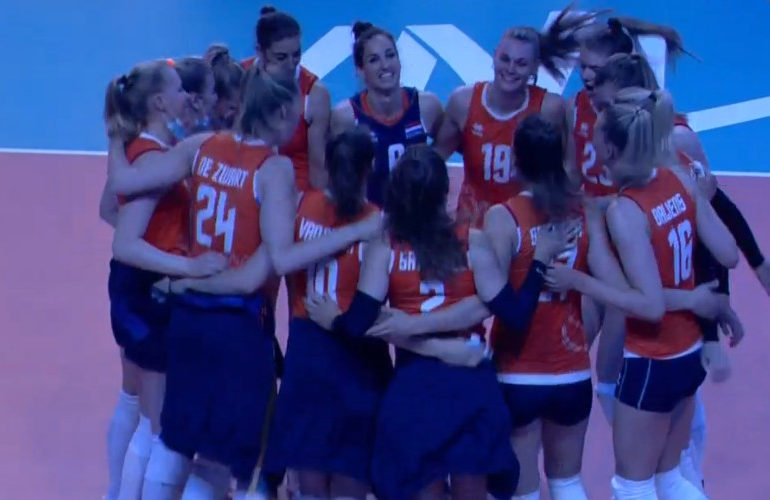 Volleybalsters voortvarend van start in de Nations League