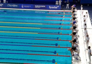 Kromowidjojo als snelste naar halve finale 50 meter vrije slag
