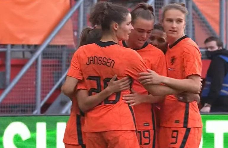 Nederlands vrouwenelftal rolt Noorwegen met 7-0 op