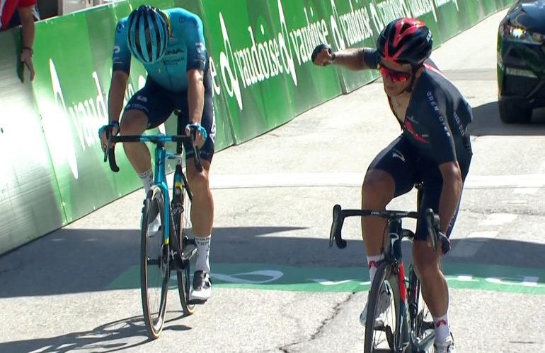 Richard Carapaz nieuwe leider in Ronde van Zwitserland
