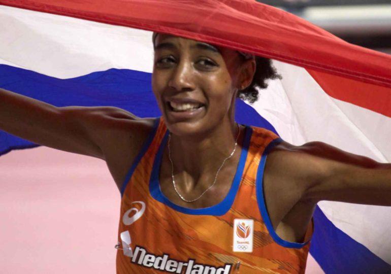 Sifan Hassan verpulverd wereldrecord op 10.000 meter