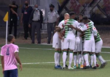 Suriname rolt Bermuda met 6-0 op