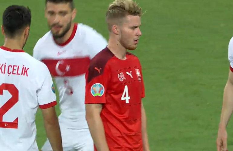 Zwitserland en Italië winnen laatste groepswedstrijd