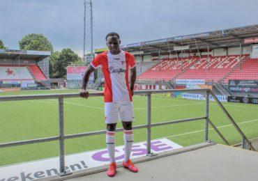 Mitch Apau naar FC Emmen