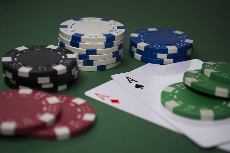 Online Casino (Foto Wallpaperflare)