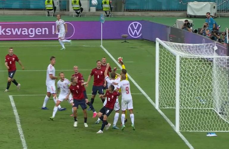 Denemarken naar halve finale van het EK