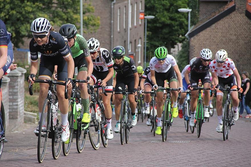 Ladies Tour (Foto Pikist)