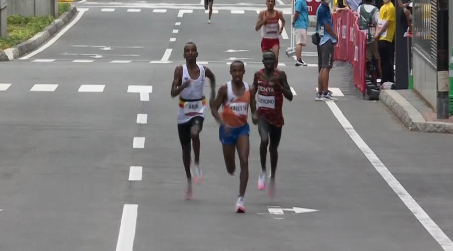 Verassend zilver op de marathon voor Abdi Nageeye