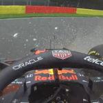 Verstappen crasht