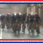 Hier kijk je nu via een livestream Parijs - Roubaix